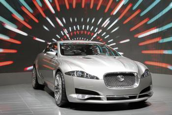 Jaguar XF. Фото: FABRICE COFFRINI/AFP/Getty Images