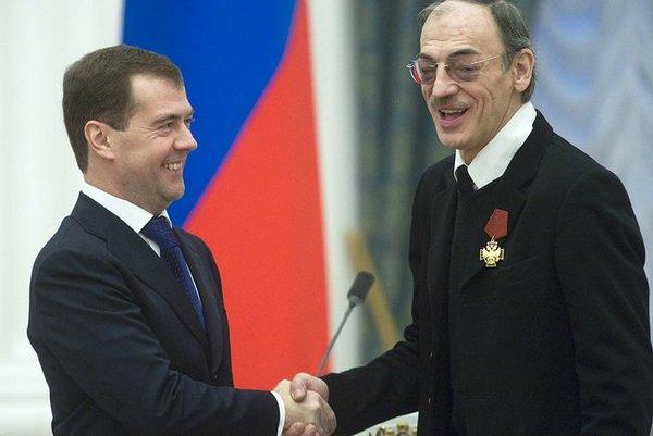 Михаил Боярский перед президентом РФ снял свою знаменитую шляпу. Фото сайта kremlin.ru