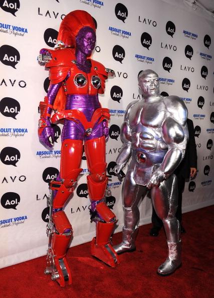 «Мисс Вселенная» Ксимена Наваррете, супермодель Хайди Клум и другие на Хэллоуине в Нью-Йорке. Фоторепортаж. Фото: Bryan Bedder/MARK RALSTON/AFP/Getty Images