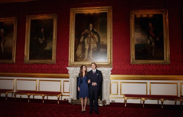 Принц Уильям и Кейт Миддлтон в зале дворца  Св. Джеймса. Фото: Chris Jackson/Getty Images