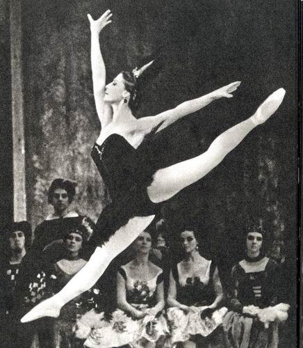 Майя Плисецкая в роли Одиллии, балет «Лебединое озеро». Фото  сайта balletrf.ru