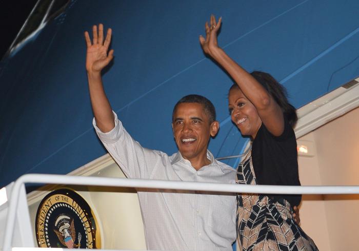 Барак Обама с семьёй вернулся в Белый дом из отпуска на Гавайях. Фоторепортаж. Фото: Kent Nishimura-Pool/Getty Images
