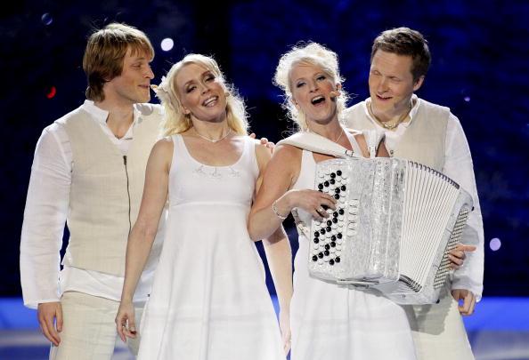 В первый день вместе с Петром Наличем на «Евровидении-2010»  выступили участники из 17 стран. Кункускаят из Финляндии. Фоторепортаж. Фото: CORNELIUS POPPE/AFP/Getty Images