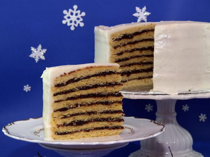 Роскошный исландский многослойный пирог со сливами и корицей. Фото: Sandra Shields/The Epoch Times