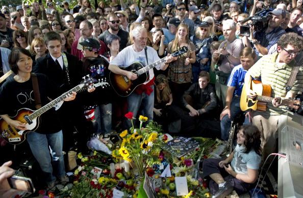 Памяти Джона Леннона. Памятный фестиваль в Нью-Йорке. Фото: DON EMMERT/AFP/Getty Images