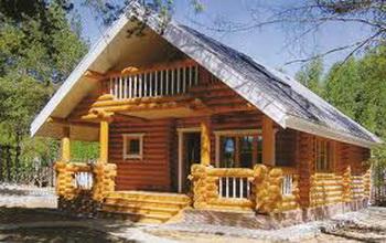 Деревянные дома из оцилиндрованного бревна. Фото: firmsale.ru