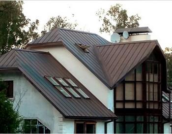 Кровля из фальца — гарантия надёжной и долговечной защиты крыши. Фото: kck116.ru