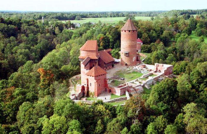 Турайдский замок. Фото: ospo.ru
