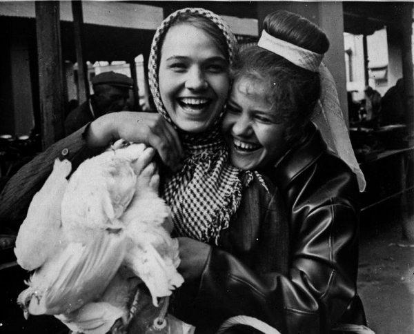 Нина Русланова и Лидия Базильская.  Фото с сайта kino-teatr.ru