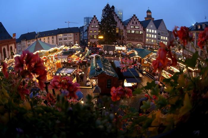 Рождественские базары  открылись по всей Германии. Фоторепортаж. Фото: Sean Gallup, Hannelore Foerster /Getty Images