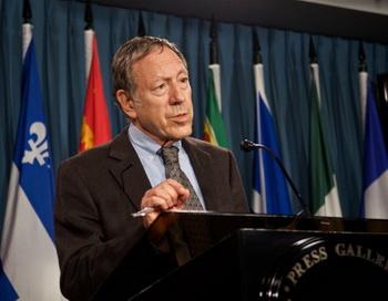 Ирвин Котлер, эксперт в области прав человека, считает, что Канада должна принять меры по борьбе с культурой безнаказанности в ООН. Фото: Мэттью ЛИТТЛ/Великая Эпоха (The Epoch Times)
