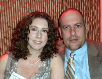 Кристина и Марк ДэБастиани из Вирджинии после просмотра представления. Фото с сайта theepochtimes.com