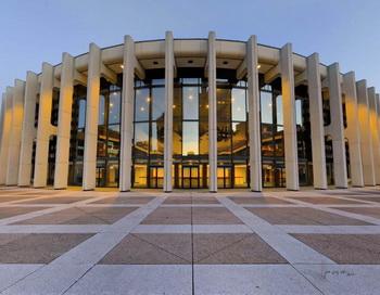 Shen Yun  собирается дать четыре представления в престижном зале Вильфрид-Пеллетье Дворца Искусств, культурном комплексе  Монреаля, с 15 по 17 января. Фото с сайта theepochtimes.com