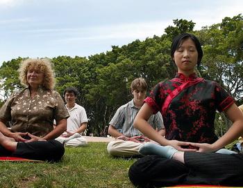 Польза медитации. Фото: Oliver CHOUCHANA/AFP/Getty Images