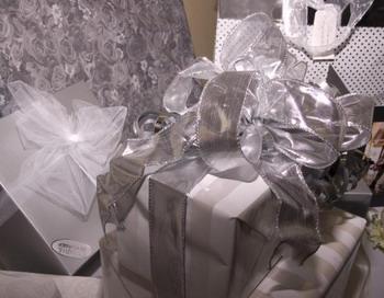 Благодарственные письма за подарки продлевают память о свадьбе. Фото: Кэт РУНЕЙ/Великая Эпоха /The Epoch Times