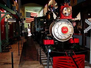 Лучший музей дикого Запада «Пате хаус», в котором  выставлены  исторические экспонаты, такие как этот поезд, считается одним из лучших мест для изучения истории этого периода. Фото с сайта theepochtimes.com