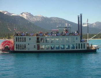 Колесный пароход МС Дикси II на озере Тахо. Фото с сайта theepochtimes.com