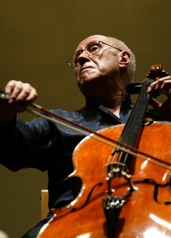 Мстислав Ростропович - выдающийся музыкальный талант.  Фото: AFP PHOTO/ Cristina QUICLER