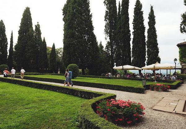 Зеленое прибежище: прекрасный сад в старом замке Conegliano в Тревизо. Фото с сайта theepochtimes.com