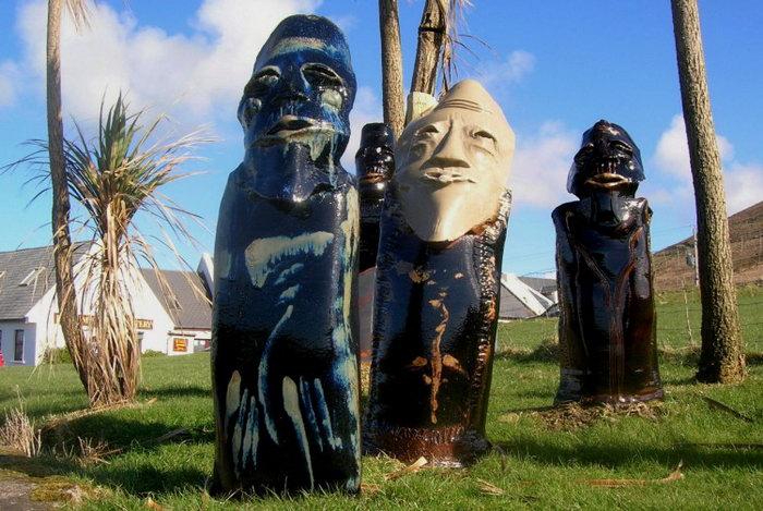 Скульптуры работы Луи Малкахи в Дингле. Фото: Mark Chester