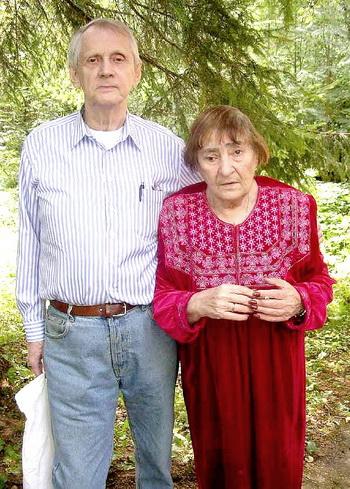 Инна Лиснянская и Владимир Мощенко. Фото: А.Н.Кривомазова, 2005.