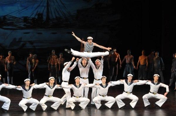Балет «Красный мак».  Сцена из первого акта.Танец русских моряков