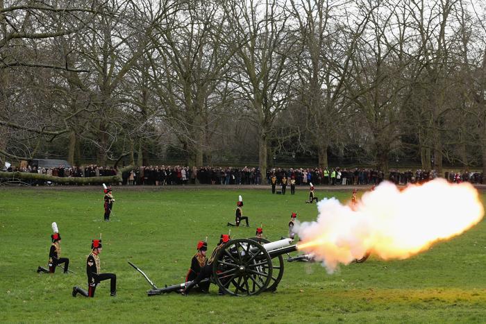 Войско английской королевы. Фото: Dan Kitwood/Getty Images