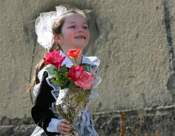 Первый поход  в школу - праздник. Фото: VIKTOR DRACHEV/AFP/Getty