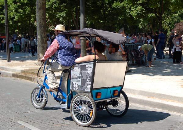 23 мая - День Зеленого дня в Париже. Фото: Наталья Орьен/Великая Эпоха