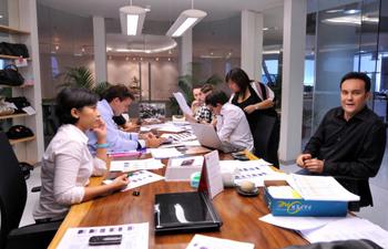 Найти работу – полдела, впереди у большинства «свежеустроившихся» сотрудников испытательный срок, который надо выдержать. Фото: ADEK BERRY/AFP/Getty Images