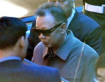 Ким Чен Ир с сыном  прибыли в Китай на бронепоезде. Фото: telegraph.co.uk