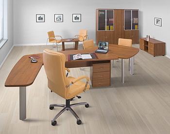 Комбинированная офисная мебель. Фото с mebelux.ru