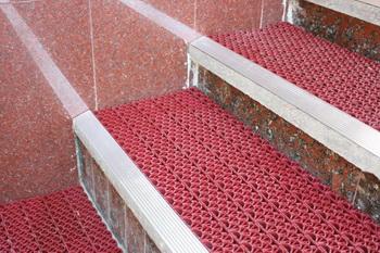 Как защитить полы от грязи. Фото с sgp-primex.ru