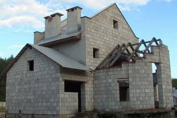 Из чего построить комфортный дом? Фото с darmel.ru