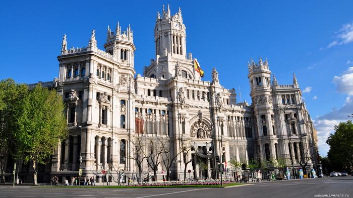 Мадрид — самый высокий город Европы. Фото с planetofhotels.com