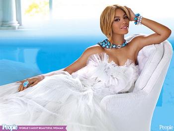 Журнал People назвал Бейонсе самой красивой женщиной. Фото с people.com