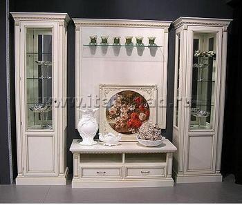 Многие формы в современном производстве мебели стиля Викторианской эпохи популярны и востребованы ценителями. Фото с italsklad.ru
