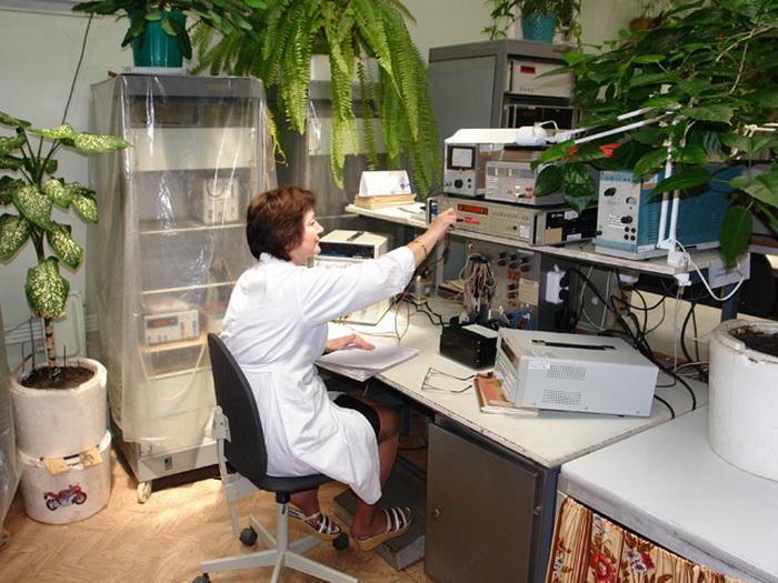 Лабораторные весы и метрологическое оборудование. Фото с signalrp.ru