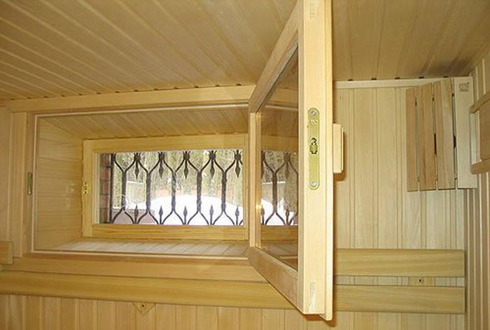 Какими должны быть банные окна? Фото с bartovstroy.ru