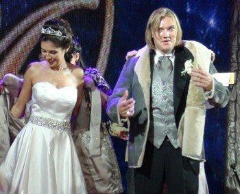Григорий Костюк и его невеста Анжелика. Фото с naked.kaliningradfirst.ru