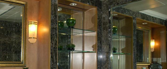 Облицовка камнем. Фото с сайта http://alivestone.spb.ru/stoleshniczyi-iz-iskusstvennogo-kamnya-spb.html