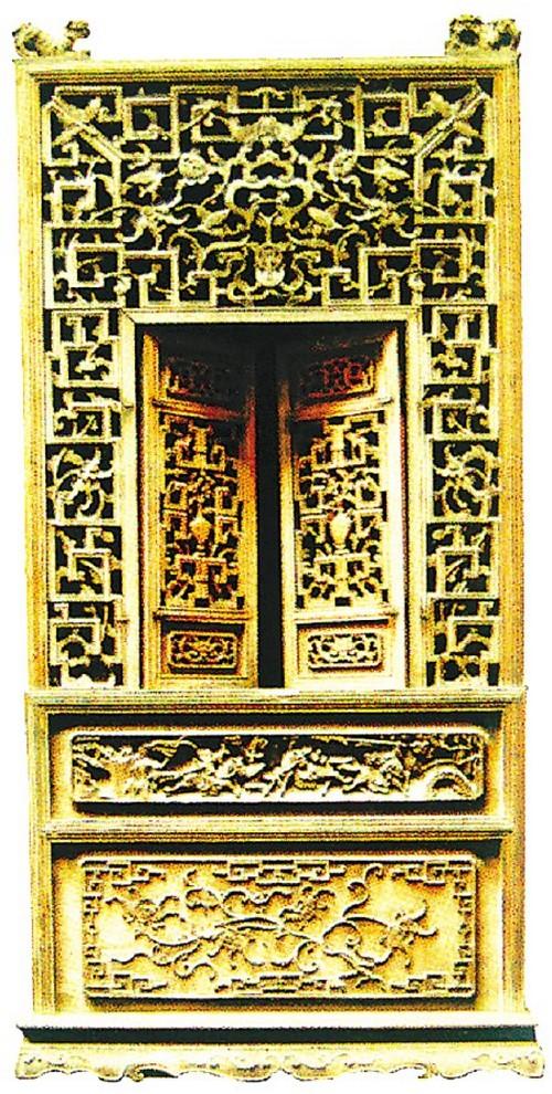 Окно для незамужних дочерей в зале Веры, деревня Лу, уезд И, провинция Аньхой. Фото: Secret China