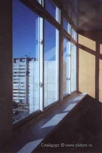 Фото с сайта http://www.slidors.ru/osteklenie-balkonov-s-vynosom/