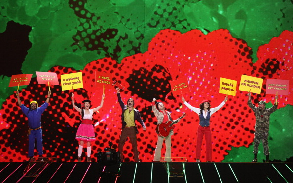 Фоторепортаж о предстоящем  выступлении Воробьёва в полуфинале «Евровидения – 2011». Homens Da Luta (Португалия). Фото: Sean Gallup/Getty Images