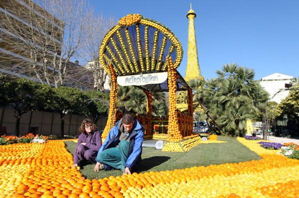 Лимонный рай в Ментоне. Фото: VALERY HACHE/AFP/Getty Images