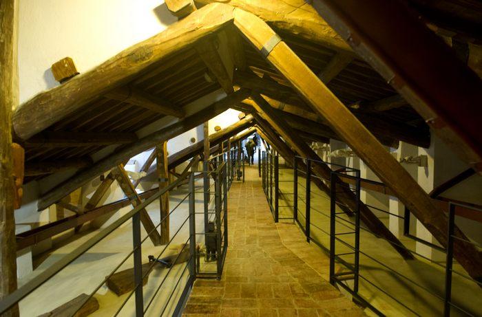 Собор La Porta del Cielo – Врата небес в итальянском городе Сиена открыл с 6 апреля 2013 г., после реставрации чердачные комнаты и секретные ходы для посетителей впервые за 900 лет. Фото: Marco Secchi/Getty Images