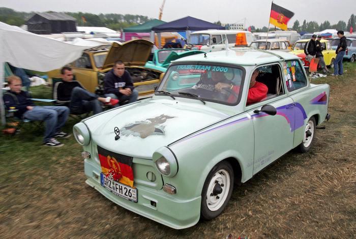 Насколько безопасна ностальгия по ГДР? Фото: UWE MEINHOLD/AFP/Getty Images
