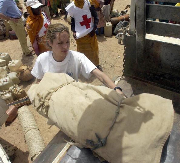 Анджелина Джоли, 4 июля 2004. Фото: Getty Images