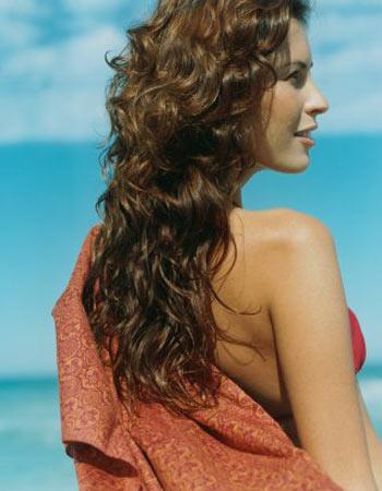 Важной составляюще женской красоты являются ухоженные волосы. Фото: Jerome Tisne/Getty Images