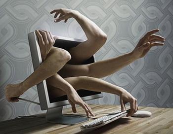 Браузерные игры, MMORPG и интернет казино — развлечения онлайн геймеров.  Фото:  sale.biztech1.ru